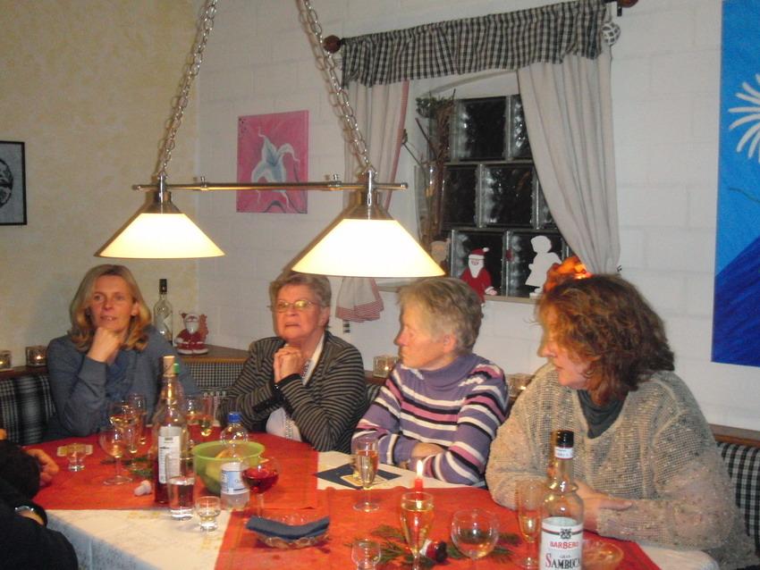 Weihnachtsessen 04.12.2012 Bild 7